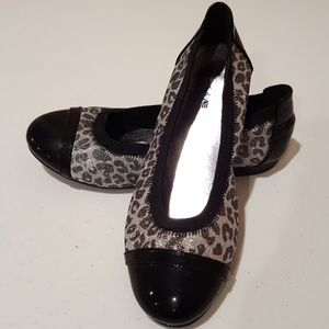 Girl's 4.5 American Eagle Black Leopard Flats
